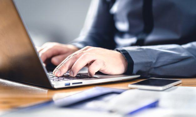 Czy właściciel firmy powinien samodzielnie pisać teksty?
